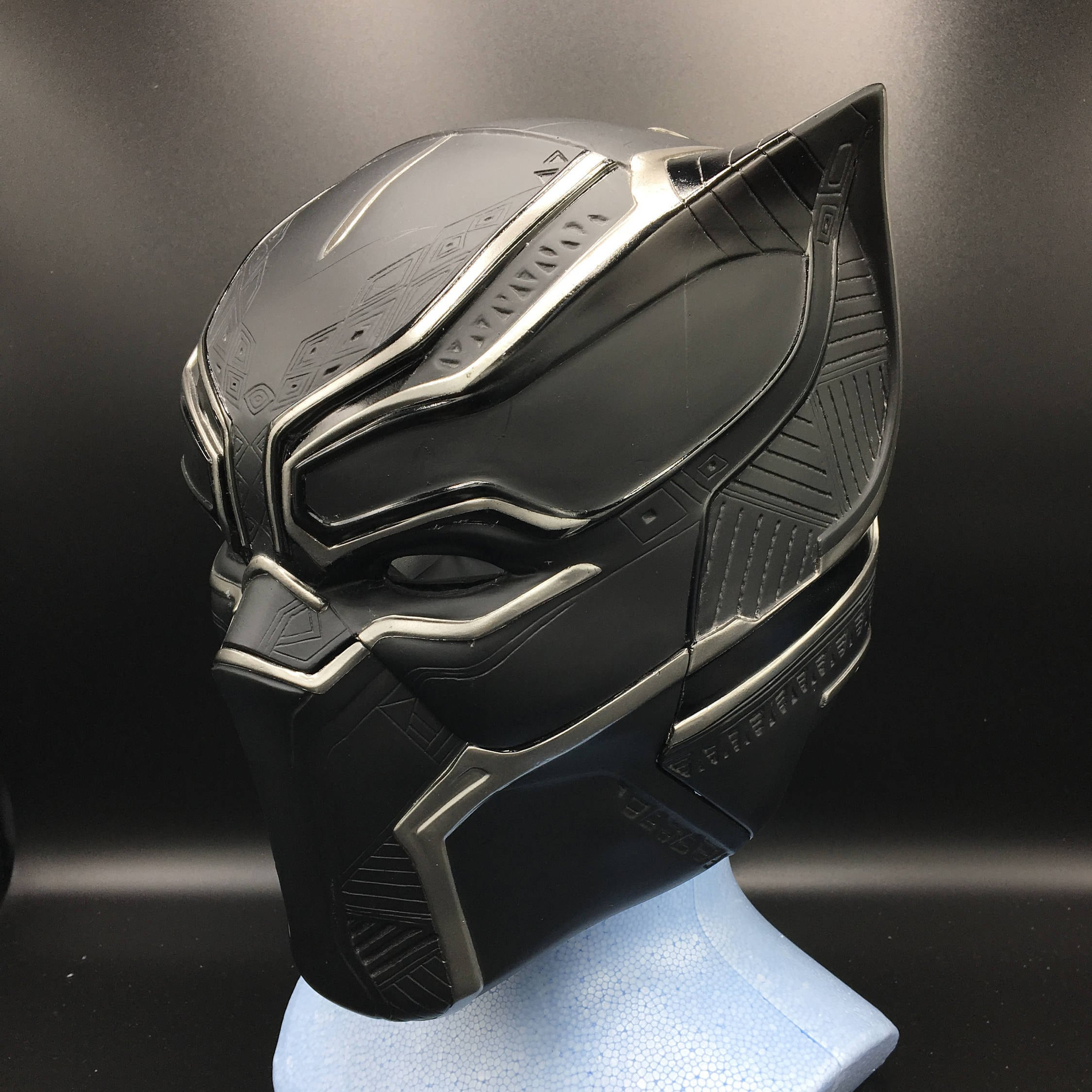 Black panther helmet Life-size scale fully pattern detail  b57a55db4fd6