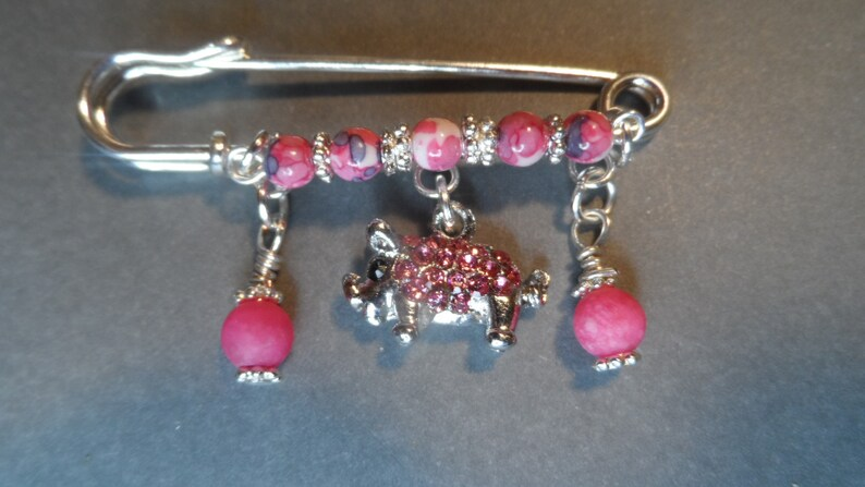 Pink Beads,Great Gift. Rhinestone Pink Pig Pig Kilt Pin,Free Shipping