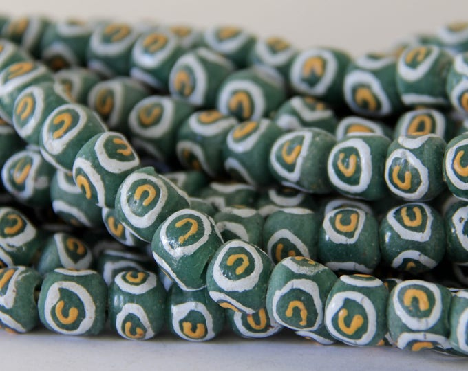ASC 131 Green with White /& Orange African Sandcast Beads