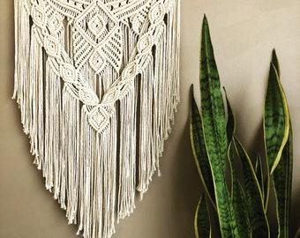 Macrame Wall Hanging   Pretty Boho Macrame Tapestry for Modern Home Decor