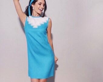 Southwest Dress | 1960s Vintage Aztec Print Turquoise White Herringbone Cotton Sleeveless Mod A Line Dress Matching Sash Belt | Size S
