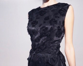 Eyelash Rose Mini | 1960s Vintage Black Rose Embossed Satin Feathered Sleeveless Wiggle Cocktail Mini Dress | Size S/M