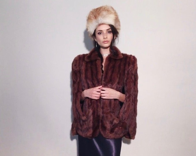 Isla Cape | 1950s Vintage Red Squirrel Fur Pockets Arm Slits Collared Hip Length Evening Formal Capelet Jacket | One Size