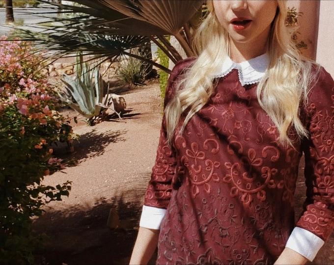 Cranberry Dress   1970s Vintage Embroidered Cotton Linen Peter Pan Collar Three-Quarter Sleeve Mini Dress   Size S