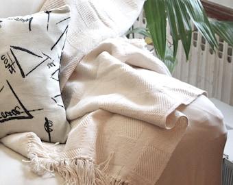 Blanket 1-3 days shipping, natural white, 100 % Cotton, Picnic Blanket, Fringed, Throw blanket. gift, chritsmas.
