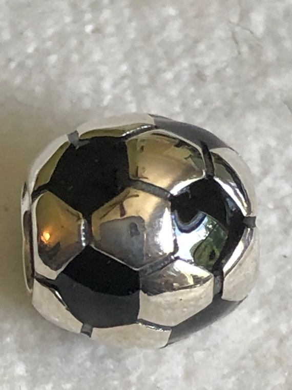 charm pandora pallone