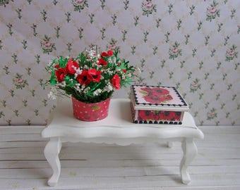 Bouquet von Mohn in Töpfe + Sarg (Satz). Puppenstube. 01:12 Maßstab