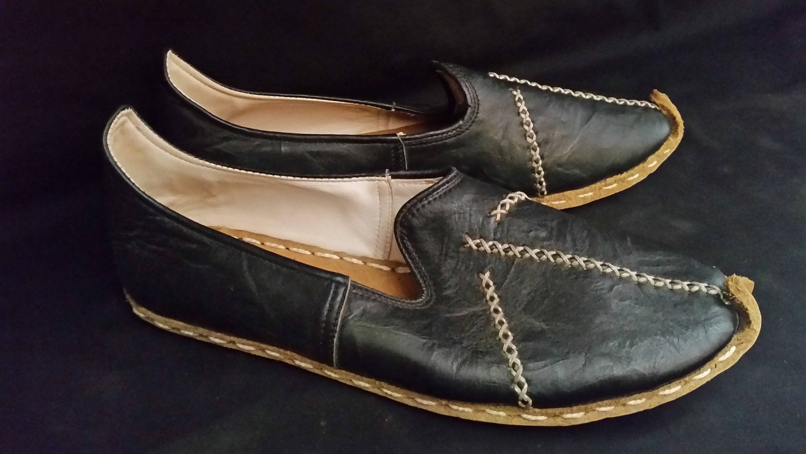 leather summer moccasin | handcrafted | artisans carik | cosplay renaissance faire | ecochic | driving shoe |ballet flat | lady