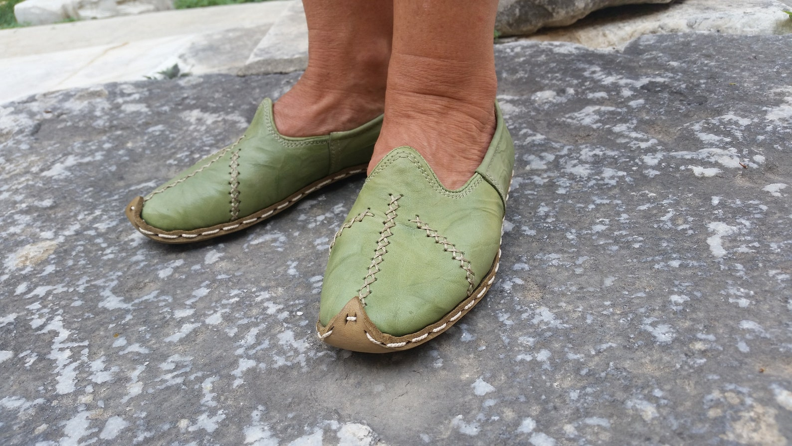 ballet flat  handcrafted leather | renaissance | medieval slipper | driving shoe | lady janes | on my feet all day | no smell |