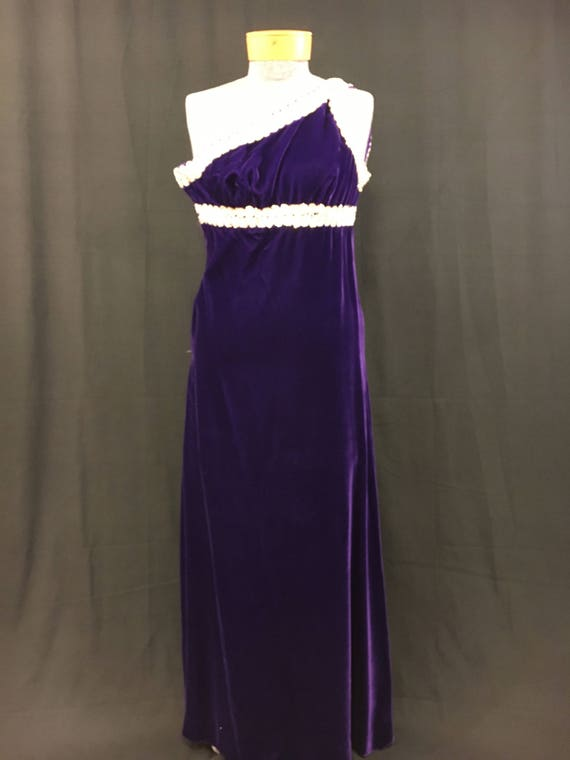 Vicky Vaughn juniors, 1970's Purple velvet one sho