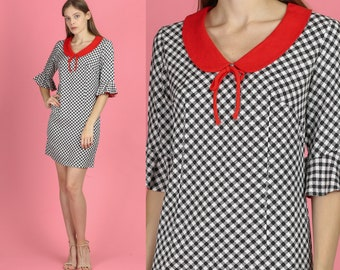 a3c542ae6d90b 60s Mod Checked Peter Pan Collar Mini Dress - Small | Vintage Black White &  Red Gingham Shift