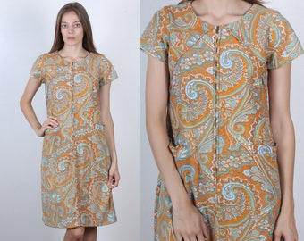 c0c1d2974069d6 60s Paisley Dress | Vintage Shift Zip Up Pocket House Dress - Medium