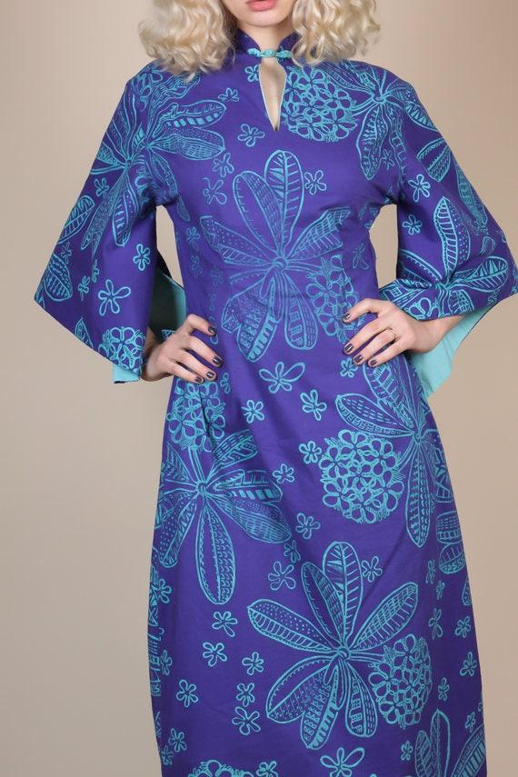 1940s Hawaiian Kimono Sleeve Pake Muu Caftan - Me… - image 3