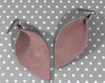 Leather Leaf Earrings: Millennial Pink// pink leather earrings // birthday gift// bridesmaid gift