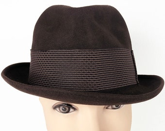 476f713c6c8 Dark Brown Wool Felt Fedora by Champ - 50s Kasmir Finish Hat with Grosgrain  Band and Inner Satin Lining in Size 7 1 8 - Vintage Champ Trilby