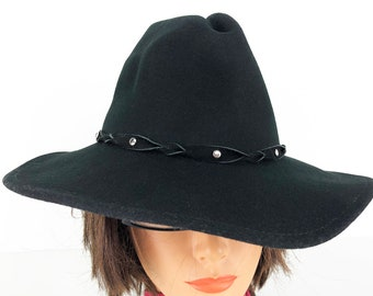 26fd92aa7bc7c 90s Bailey Cowboy Hat Cowgirl Hat Black Wool Western Hat with Studded  Leather Hat Band - Vintage Wool Felt Western Hat Size Small to XS