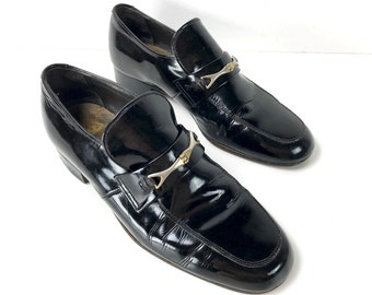 2dac8fbbb8d 60s Horsebit Loafers Sleek Black Leather Shoes Vintage Loafers by Regal -  Mens Dress Shoes Slip On Mens 9 D Gucci Style Loafers