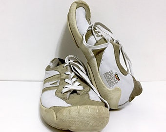 Leather   Suede Sneakers 90s Bob Marley Shoes - Jamaican Reggae Music Shoes  Street Wear - Khaki Suede and White Leather One Love Shoes 0448326285b