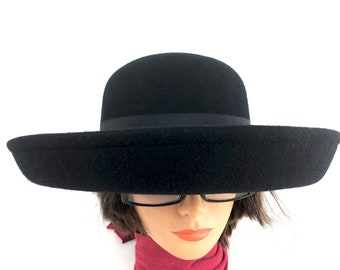 13461bdee3493 70s Roll Brim Fedora Bowler Wide Brim Black Wool Hat Made in USA Betmar Size  7 1 4 Union Made Street Smart Fedora Hat for Women 70s Fashion