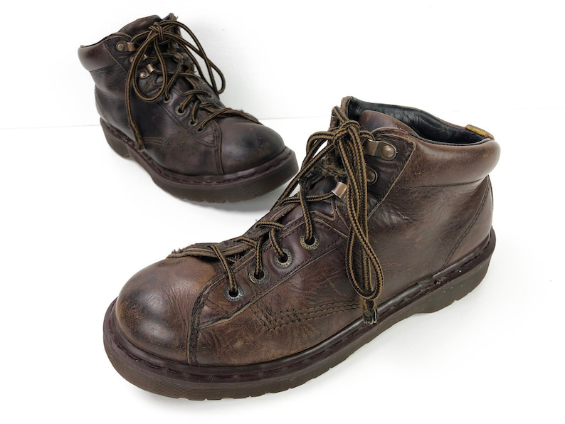 ad3d49b1d6738 Dr Martens Hiking Boots - 90s Distressed Coffee Brown Chunky Punk Rocker  Boots Lug Soles - 90s Grunge Fashion Made in England Mens 10.5