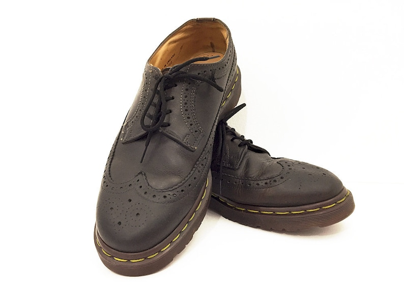 3840e2a980bfe 90s Dr Martens Wingtips Low Platform Oxfords - Vintage Punk Rocker Derby  Brogues Doc Martens Soft Grunge Rocker Shoes Made in England Mens 9