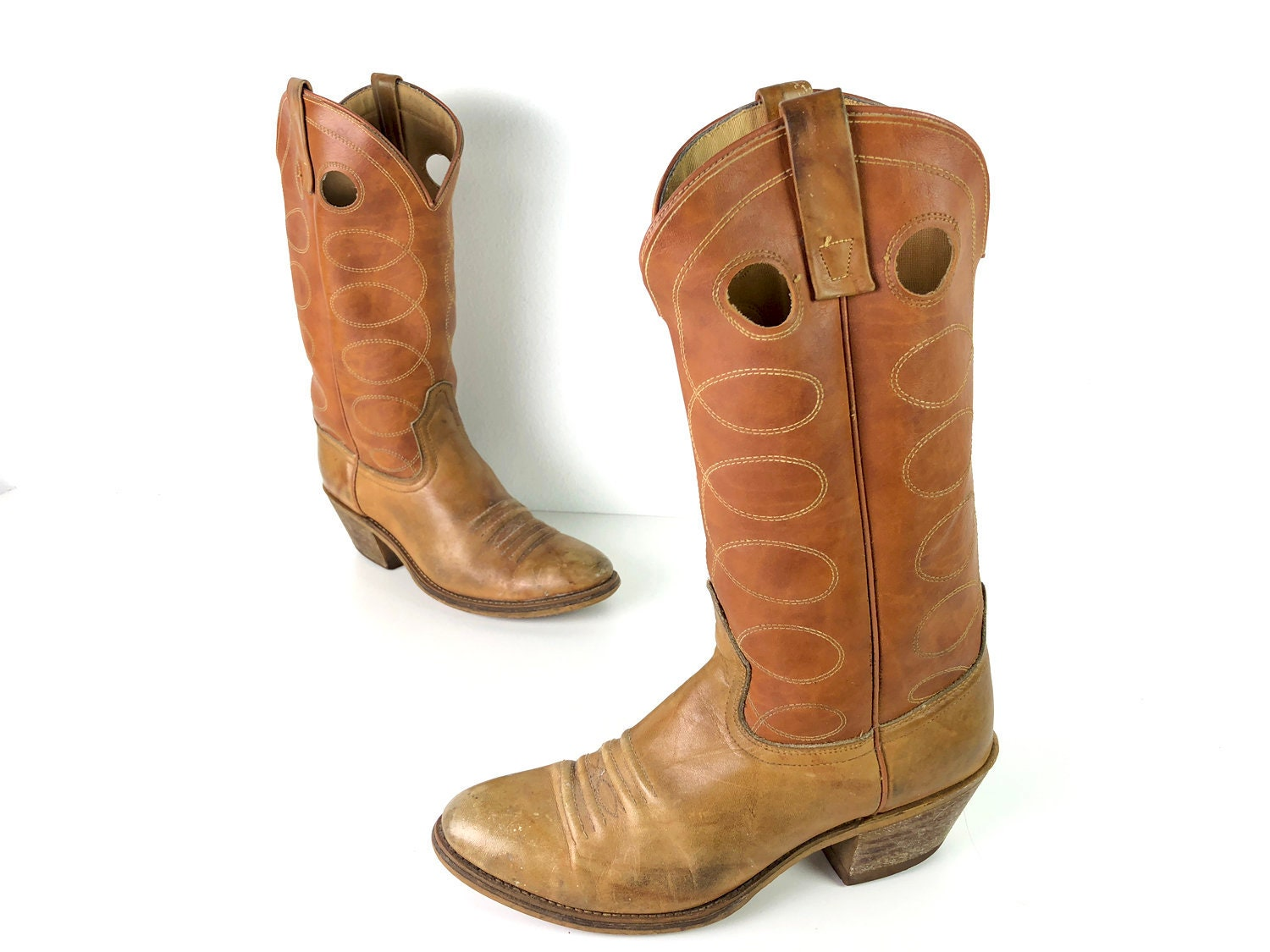 1c1ace1b91b Vintage Acme Cowboy Boots 2-Tone Buckaroo Boots Mens 9 D - Honey Brown &  English Tan Boots - 70s or 80s Boots with Leather Soles Made in USA