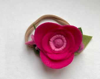 HEARTBEAT// single flower// felt flower