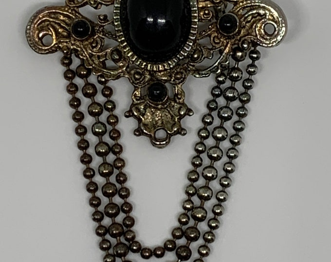Black cabochon brooch and chains. 80's Vintage