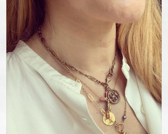 Short rosary necklace, cross and 13 Vintages