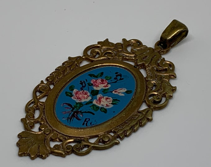 Medallion with painted floral pattern. Vintage 50's