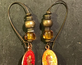Pair of earrings and amulets Thai