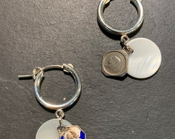 Mini silver Creoles, mother-of-pearl discs and old medals