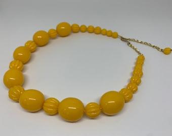 Vintage 80's Yellow Pearl Collar
