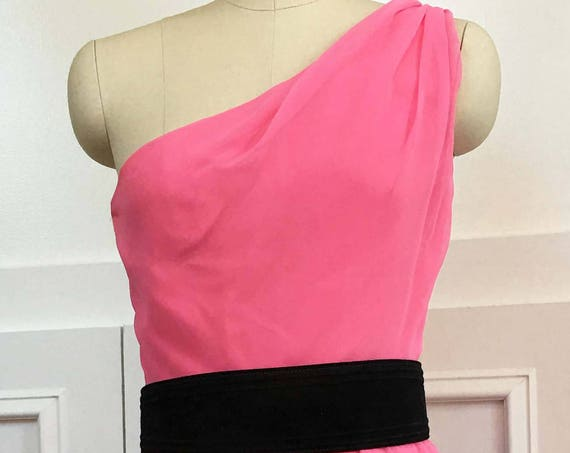 House of Bianchi Hot Pink One Shoulder Grecian-look 1960s / 1970s Cocktail Dress Size 10 (SKU 10100CL)
