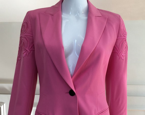 Vintage Escada by Margaretha Ley 1990s Bubblegum Pink Summer Weight Wool Wool Blazer with Fleur de Lis Applique'  Size FR 34 ( SKU 11010CL)