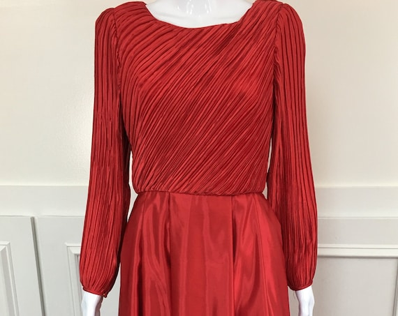George Williams New York 1980s Red Fortuny / Marii Style Pleated Red Gown Size 10  (10621CL)