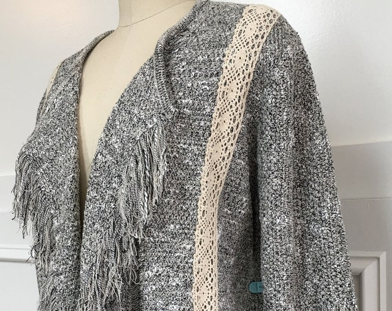 Beautifully Crafted Mary McFadden Collection BOHO Fringed Knit Sweater Jacket—Size Large/PLUS  (10629CL)