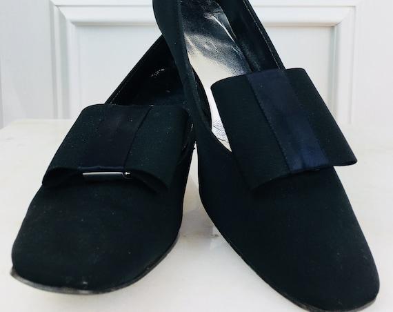 MOD Encanto Black Grossgrain Fabric Dress 1960s Pumps With Large Fabric BowSize 7.5 (SKU 10144SH)