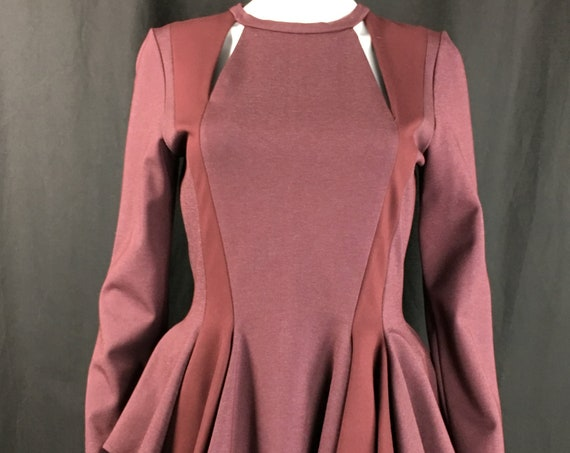 Incredible Burgundy Long Sleeve Alvin Valley Minimalist Cutout Peplum Top Blouse Size Large  (SKU 10071CL)