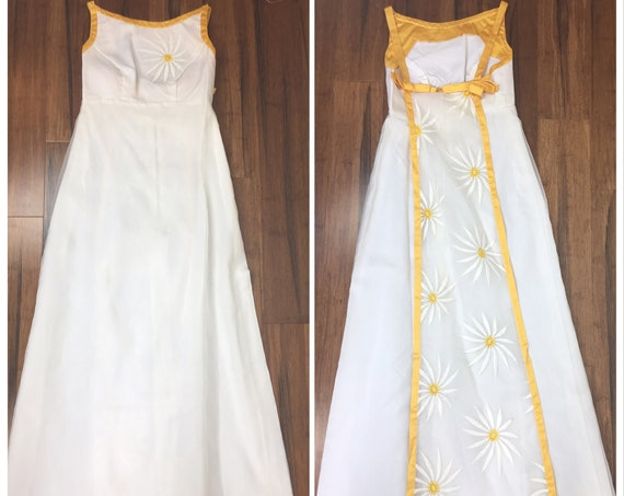 Formal Empire Waist Gown With White & Yellow Daisy Details Down the Sheer Back Panel 1 Big Daisy on Bodice - 8 but Fits like 2  (SKU 11021)