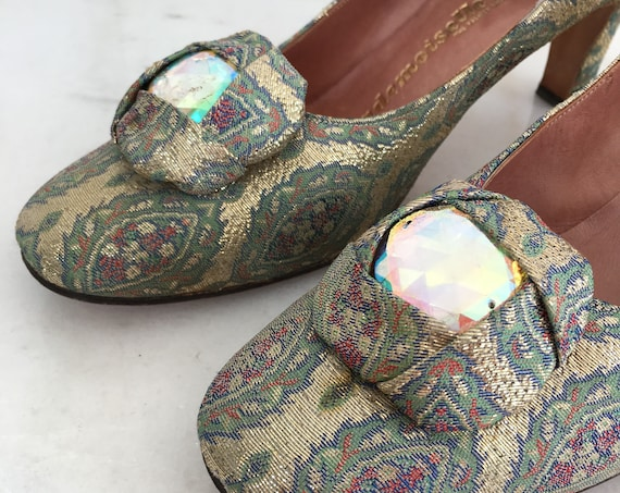 Mademoiselle / The Fashion Shoe 1960s Green & Gold Brocade Pumps With Huge Crystal Embellishment Size 7.5N  (SKU 10145SH)