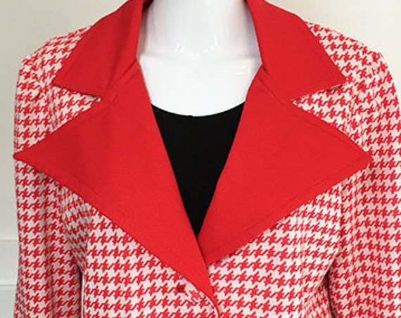 Leisure Suit Style Vintage 1970s PLUS Size Red & White Houndstooth Blazer with Wide Red Notched Collar   (SKU 10203CL)
