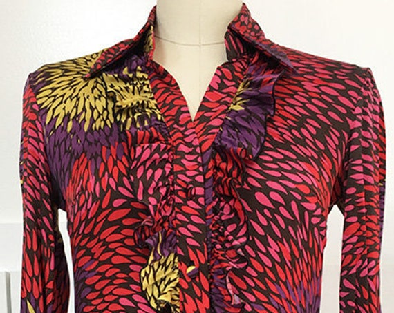 Vibrant Trina Turk Los Angeles Silk Magenta Patterned Ruffled Blouse with a 1970s Vibe--Size P  (10205CL)