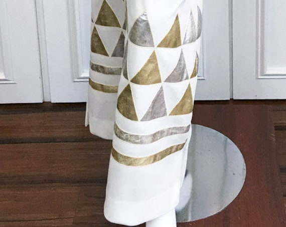 Dalton White MOD 1970s Maxi Skirt With Gold and Silver Geometric Patterned Applied Design US Size 6  (10121CL)