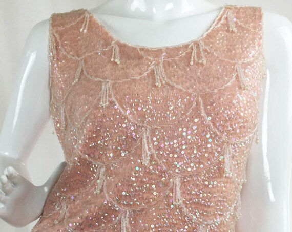 Vintage 1960s Pink Sequined & Beaded Fringe Sleeveless Cocktail Sweater Size Small (10036CL)