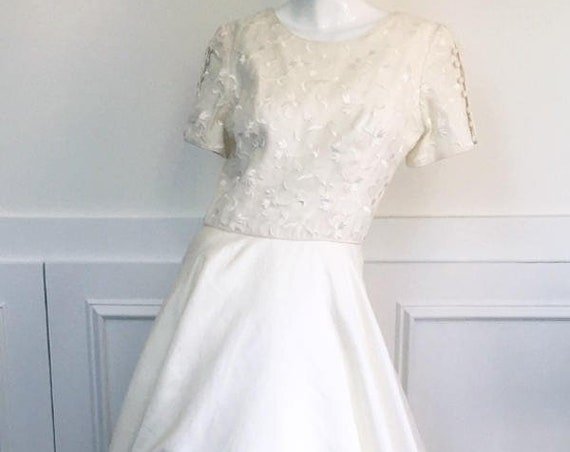 Bolo Vasquez Vintage 1990s Wedding Dress with Embroidered Bodice High Collar Neckline Buttoned Short Sleeves & Ball Gown Skirt 10088CL