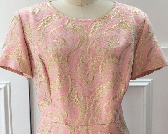 Carillon New York Pink and Gold Metallic Damask MOD 1960s / 1970s Fit and Flare Dress Plus Size (10165CL)
