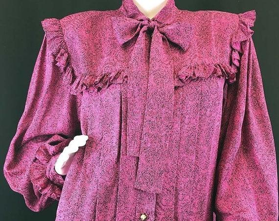 Nina Ricci Silk Magenta PARIS and Black Print 1980s / 1990s Blouse Size 16 / Plus Size (SKU 10389CL)