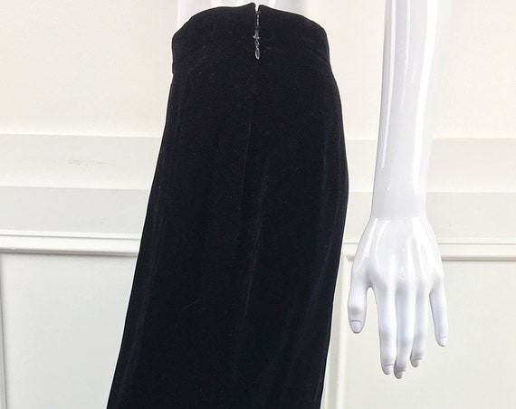 Mary McFadden Couture for Bergdorf Goodman Silk Velvet Full Length Skirt—US Size 8 (SKU 10712CL)