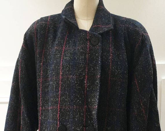Maggie Lawrence Oversized Charcoal and Burgundy Plaid Comfy Cozy Cocoon Style 1980s Car Coat  Size 16 / Plus (SKU 10502CL)